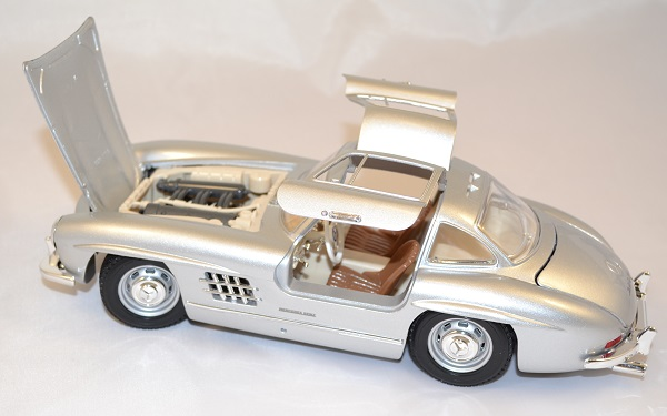 Mercedes benz 300sl 1954 1 18 bburago www autominiature01 com 2
