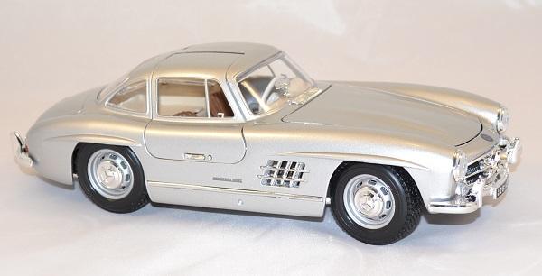 Mercedes benz 300sl 1954 1 18 bburago www autominiature01 com 4