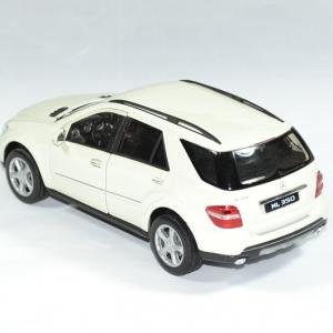 Mercedes benz 350 welly 1 24 autominiature01 2