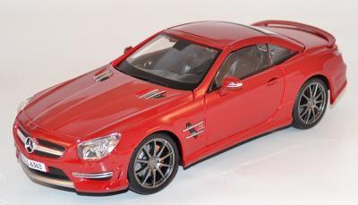 Mercedes AMG C63 rouge
