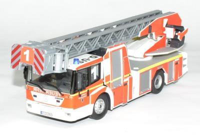 Mercedes Econic EPA DL 32 échelle pompiers