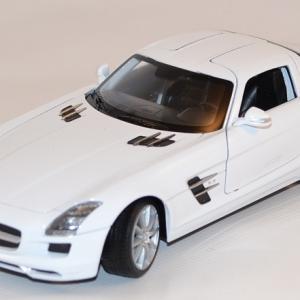 Mercedes SLS AMG  blanche