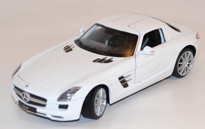 Mercedes SLS AMG blanche au 1/24 miniature Welly Wel24025wwe
