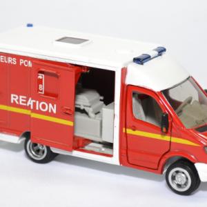 Mercedes benz sprinter sapeurs pompiers siku 1 50 2108f autominiature01 4