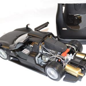 Mercedes clk gtr noire maisto 1 18 autominiature01 com 2