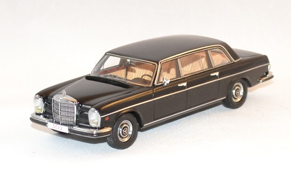 Mercedes matrix 300sel vatican 1967 1 43 autominiature01 1