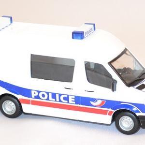 Mercedes sprinter police au 1 50 burago 32006pl miniature auto autominiature01 com 3