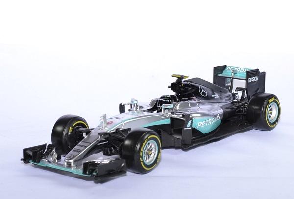 Mercedes w07 rosberg champion 61 18 bburago autominiature01 1
