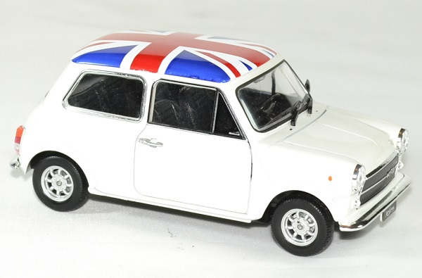 Mini cooper 1300 blanc 1 24 welly autominiature01 3