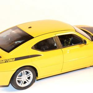Miniature auto dodge charger daytona de marque welly 1 18 autominiature01 com 2