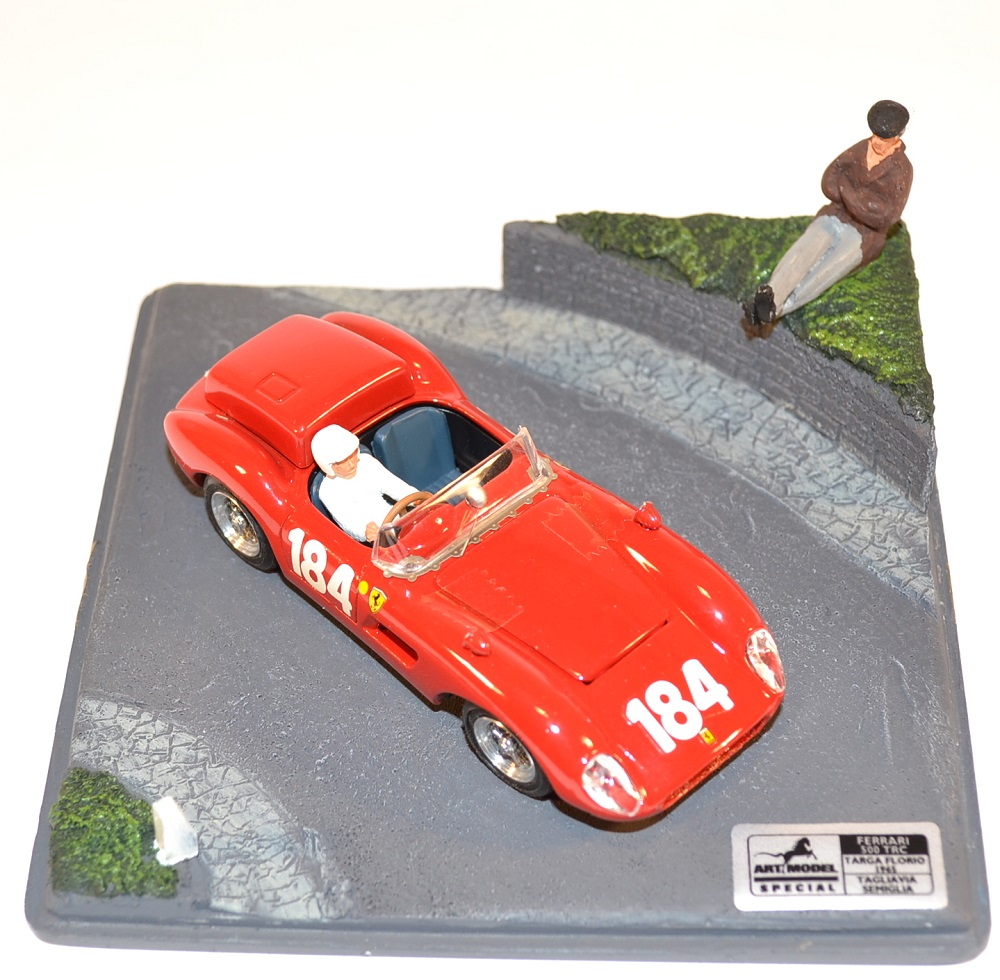 miniature-ferrari-500trc-art-model-au-1-43-collection-targa-florio-1950-autominiature01-com-2.jpg
