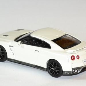 Nissan skyline gtr 2017 1 43 ixo premium autominiature01 2