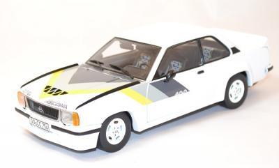 Opel ascona 400 blanc 1/18 sunstar