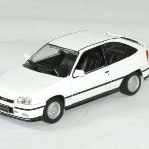 Opel kadett gsi 1 43 whitebox autominiature01 1
