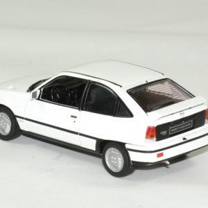 Opel kadett gsi 1 43 whitebox autominiature01 2