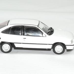 Opel kadett gsi 1 43 whitebox autominiature01 3