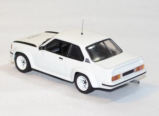 Opel manta 400 rallye 1985 ixo 1 43 autominiature01 2