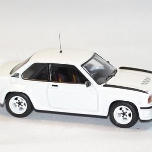 Opel manta 400 rallye 1985 ixo 1 43 autominiature01 3