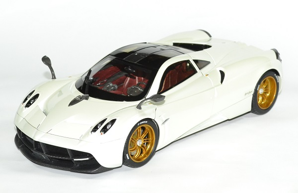 Pagani huayra 1 18 blanc gt auto 2012 welly autominiature01 1