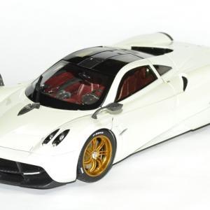 Pagani Huayra blanche métallisé édition GT Autos