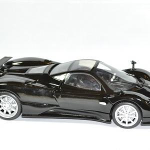 Pagani zonda motor max 1 18 autominiature01 4