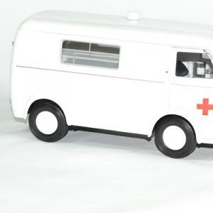 Peugeot d4b 1963 ambulance 1 18 norev autominiature01 3