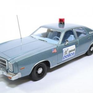 Plymouth fury 1977 detroit police greenlight 1 18 autominiature01 19069 1