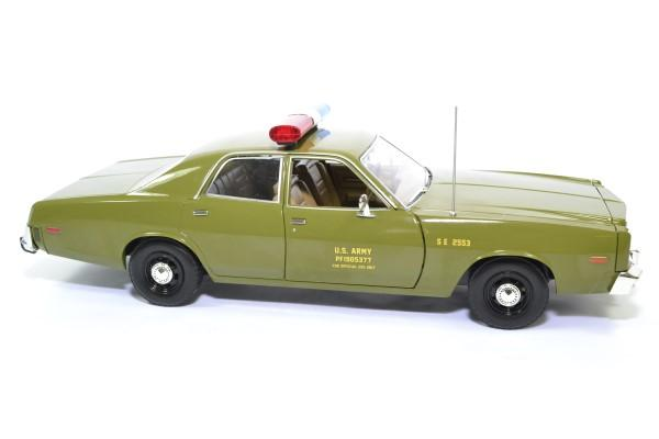 Plymouth fury a team 1977 police militaire greenlight 1 18 autominiature01 19053 3