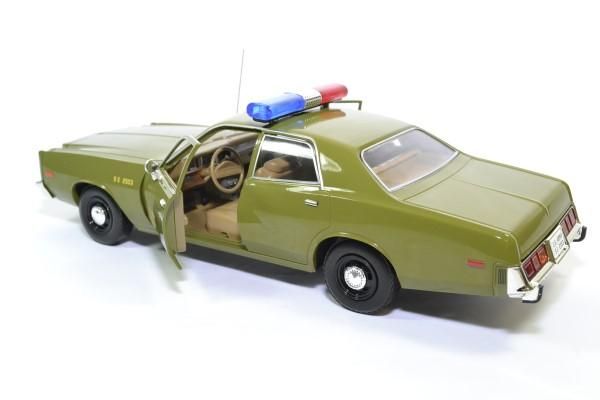 Plymouth fury a team 1977 police militaire greenlight 1 18 autominiature01 19053 4