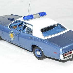 Plymouth fury police arkansas 1975 greenlight 118 autominiature01 2