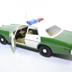 Plymouth fury police chicksaw 1975 greenlight 1 18 autominiature01green19076 3