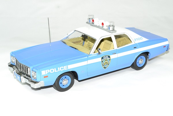 Plymouth fury police new york 1975 nypd 1 18 greenlight autominiature01 1