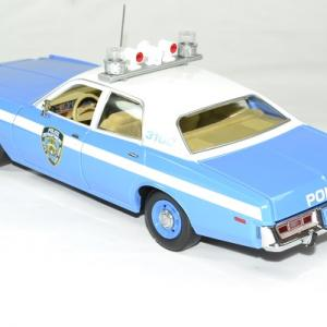 Plymouth fury police new york 1975 nypd 1 18 greenlight autominiature01 2