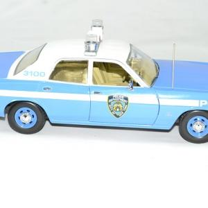 Plymouth fury police new york 1975 nypd 1 18 greenlight autominiature01 3
