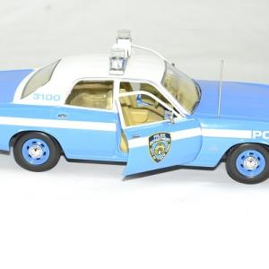 Plymouth fury police new york 1975 nypd 1 18 greenlight autominiature01 4