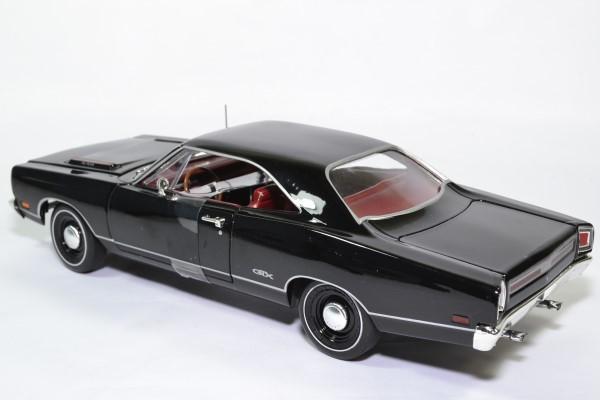 Plymouth gtx hard top 1969 noir amm 1 18 amm1204 autominiature01 4