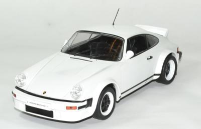 Porsche 911 1982 version course ixo 1 18 autominiature01 1