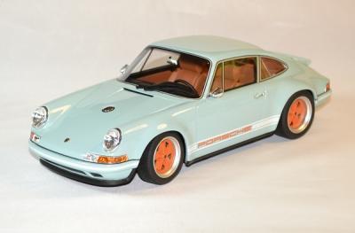 Porsche 911 singer 964 bleu de 2014