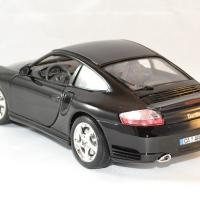 Porsche 911 turbo 1 18 bburago autominiature01 2