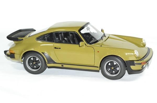 Porsche 911 vert olive 1977 norev 1 18 autominiature01 3