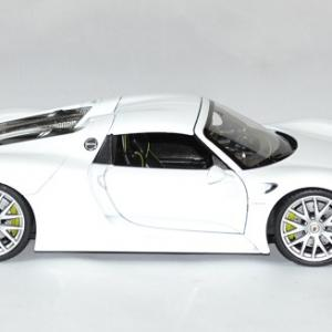 Porsche 918 spyder 1 24 welly autominiature01 3