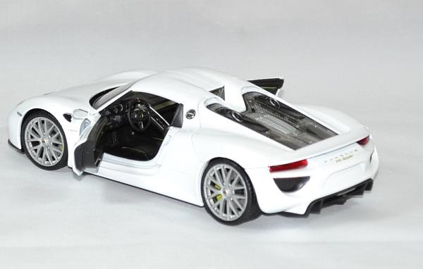 Porsche 918 spyder 1 24 welly autominiature01 4