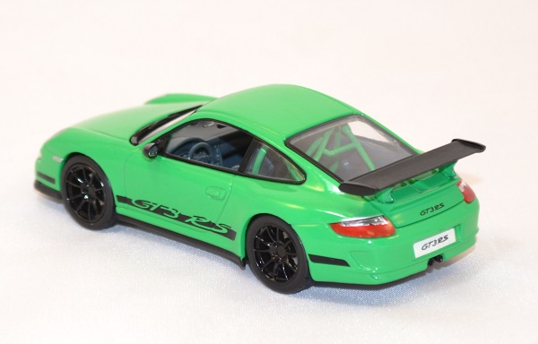Porsche gt3 997 rs verte miniature yatming signature 1 43 autominiature01 com 3