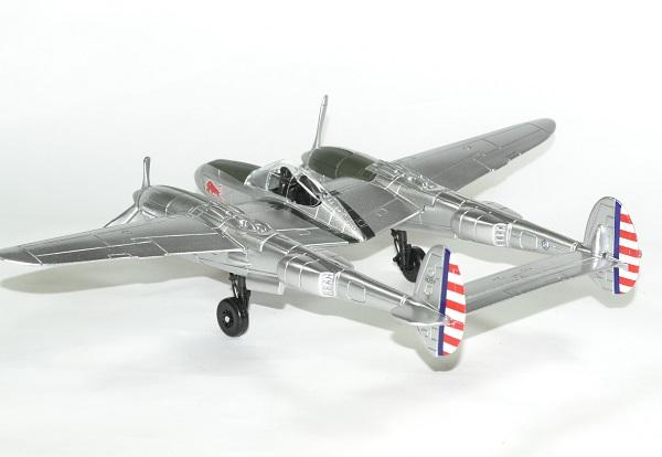 Red bull p38 lightning avion 1 48 new ray autominiature01 2