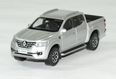 Renault alaskan Pick up argent 2017