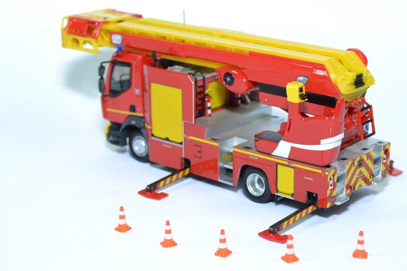 Renault d16 echelle sapeurs pompiers epc 33 eligor 1 43 116643 autominiature01 3