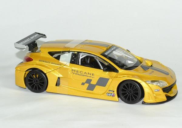 Renault megane trophy 1 24 bburago autominiature01 3