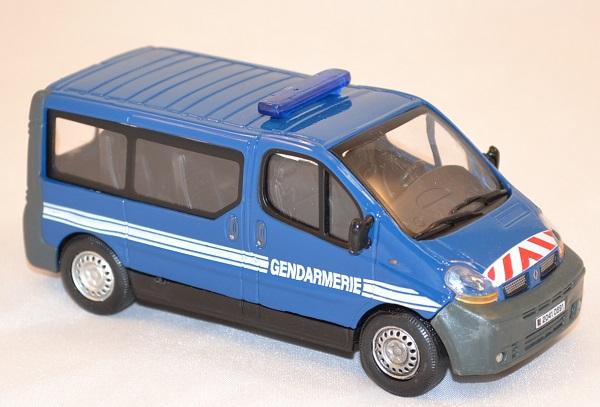 Renault trafic minibus gendarmerie nationale 1 43 oliex miniature autominiature01 com 2