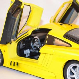 Saleen s7 motor max 1 12 autominiature01 com 3