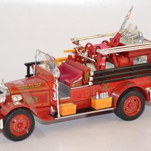 Seagrave firetruck 1931 sound beach autominiature01 com 1 1